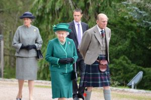 PAY-Queen-and-the-Duke-of-Edinburgh